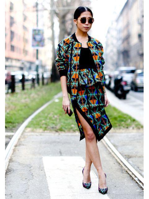 Clothing, Eyewear, Sunglasses, Shoulder, Dress, Bag, Style, Street fashion, Fashion accessory, Pattern,