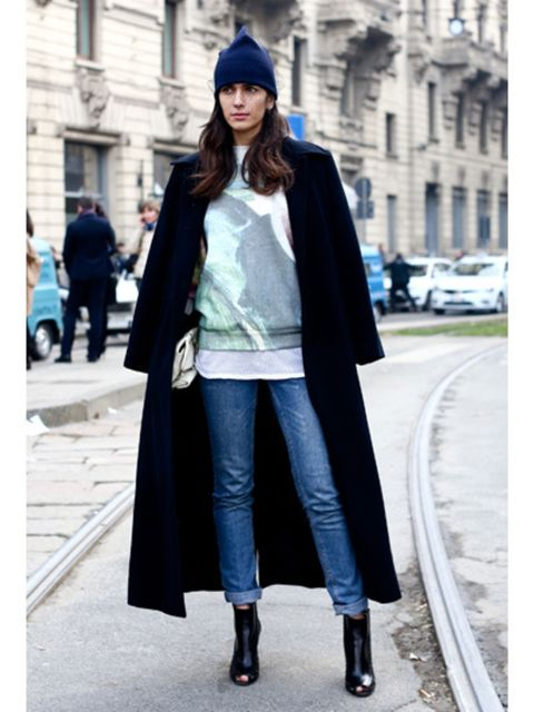 Clothing, Sleeve, Textile, Outerwear, Street fashion, Style, Street, Fashion accessory, Cap, Electric blue,