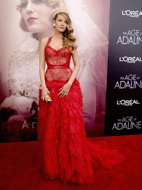 Clothing, Dress, Shoulder, Red, Formal wear, Style, Gown, Fashion model, One-piece garment, Waist,