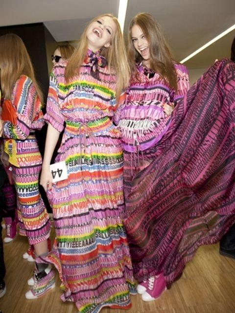 Purple, Textile, Magenta, Pink, Violet, Fashion, Pattern, Blond, Fashion design, Long hair,