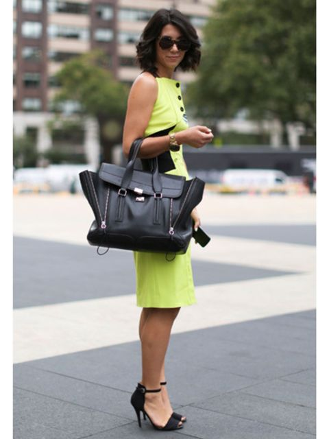 Clothing, Eyewear, Glasses, Sunglasses, Shoulder, Bag, Joint, Style, Street fashion, Fashion accessory,