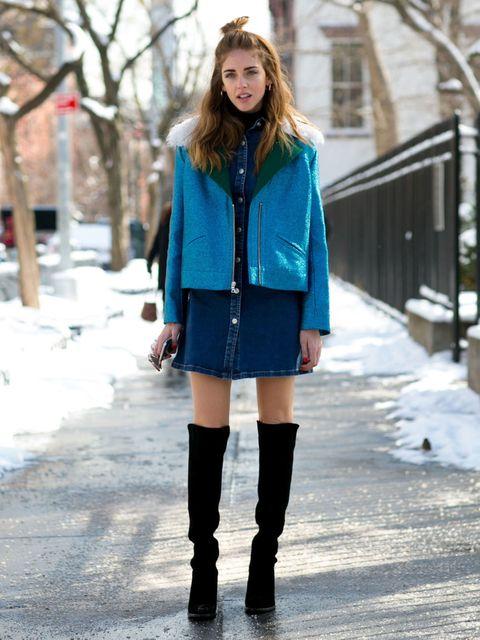 Clothing, Winter, Sleeve, Boot, Human leg, Outerwear, Style, Street fashion, Knee, Fashion model,