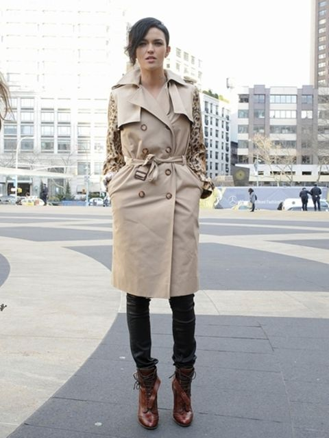Clothing, Sleeve, Joint, Outerwear, Street fashion, Style, Boot, Street, Pattern, Knee,