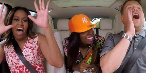 Michelle Obama, Missy Elliott & James Corden tijdens de Carpool Karaoke