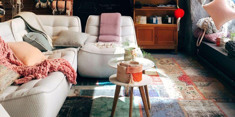 Met deze 7 tips haal je het meeste uit je kleine woonkamer