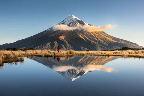 """<p>Op het Noordeiland van Nieuw-Zeeland van je regio Taranaki, waar weinig mensen komen. Vreemd; dit uitzicht… Afijn, perfecte plek om eindeloos te wandelen.<span class=""""redactor-invisible-space"""" data-verified=""""redactor"""" data-redactor-tag=""""span"""" data-redactor-class=""""redactor-invisible-space""""></span></p>"""