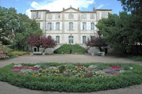 Airbnb: Chateau de la Condamine