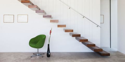 Stairs, Floor, Wall, Flooring, Line, Hardwood, Handrail, Wood stain, Parallel, Material property,