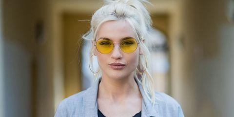 Eyewear, Hair, Glasses, Sunglasses, Face, Blond, Hairstyle, Eyebrow, Beauty, Lip,