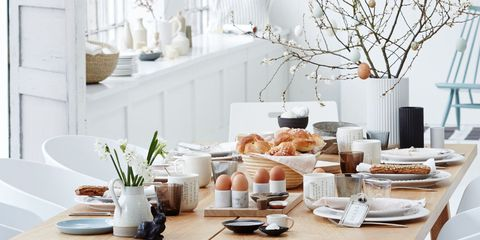 White, Room, Brunch, Table, Interior design, Furniture, Home, Dining room, Meal, Tableware,