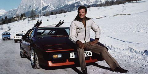Land vehicle, Vehicle, Car, Personal luxury car, Sports car, Coupé, Snow, City car, Sedan,