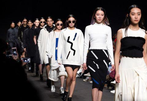 Eyewear, Vision care, Leg, Outerwear, White, Style, Sunglasses, Street fashion, Fashion model, Waist,