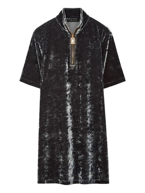 Clothing, Black, Sleeve, T-shirt, Outerwear, Dress, Day dress, Collar, Pattern, Top,