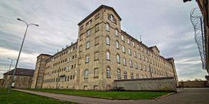 Hotels: van gevangenis tot school.