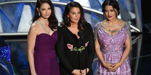 Harvey Weinstein-aanklagers Ashley Judd, Annabella Sciorra en Salma Hayek tijdens de Oscars 2018