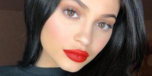 Kim Kardashian Eet Naakt Noodles En Kendall Jenner Belandde In Het
