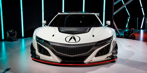Mode of transport, Automotive design, Event, Vehicle, Grille, Car, Personal luxury car, Sports car, Luxury vehicle, Automotive lighting,
