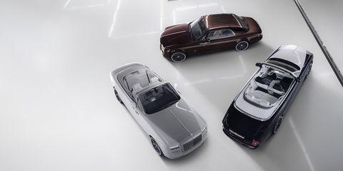 Motor vehicle, Automotive design, Vehicle, Automotive parking light, Land vehicle, Automotive lighting, Car, Hood, Automotive exterior, Vehicle door,