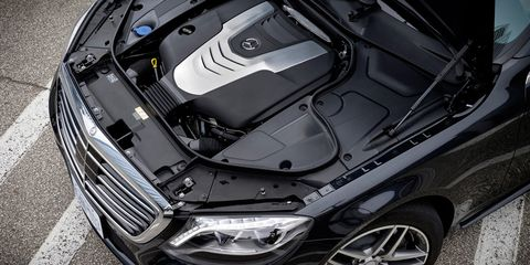 Automotive design, Vehicle, Automotive tire, Automotive lighting, Hood, Automotive exterior, Rim, Car, Headlamp, Grille,
