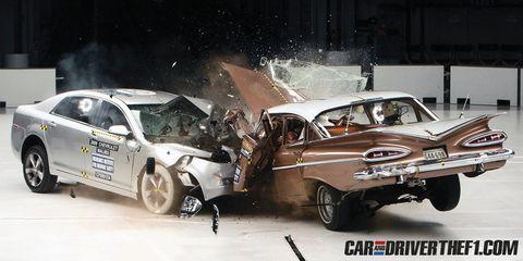 Tire, Motor vehicle, Wheel, Automotive design, Vehicle, Land vehicle, Car, Vehicle door, Automotive exterior, Full-size car,