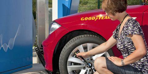 Motor vehicle, Tire, Automotive tire, Automotive design, Alloy wheel, Automotive wheel system, Rim, Automotive exterior, Auto part, Vehicle door,