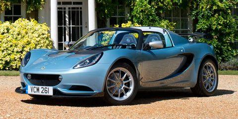 Tire, Motor vehicle, Wheel, Mode of transport, Automotive design, Vehicle, Land vehicle, Performance car, Headlamp, Car,