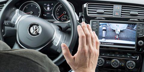 Steering part, Automotive design, Vehicle, Electronic device, Steering wheel, Car, Vehicle audio, Radio, Technology, Center console,