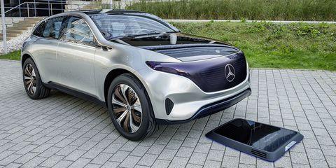 Motor vehicle, Wheel, Tire, Mode of transport, Automotive design, Vehicle, Land vehicle, Glass, Car, Transport,