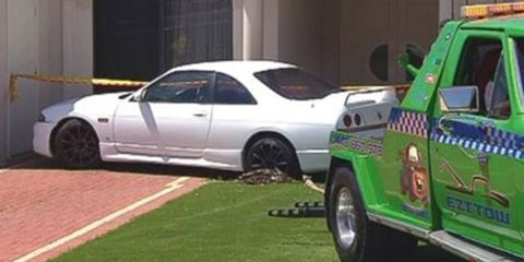 Tire, Wheel, Vehicle, Automotive tire, Alloy wheel, Land vehicle, Rim, Car, White, Spoke,