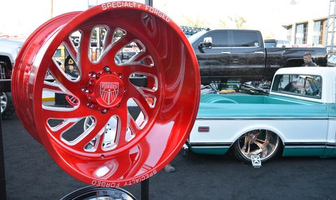 Wheel, Vehicle, Land vehicle, Automotive design, Rim, Alloy wheel, Spoke, Car, Classic car, Automotive wheel system,