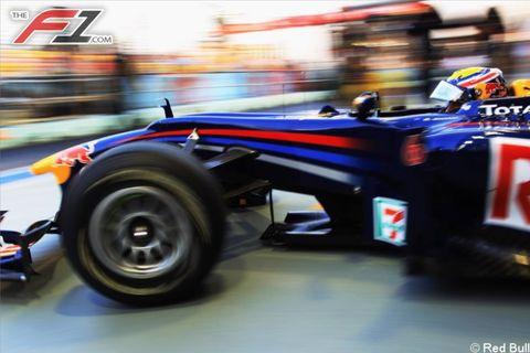 Tire, Automotive tire, Automotive design, Open-wheel car, Formula one tyres, Automotive wheel system, Formula one, Formula one car, Car, Formula racing,