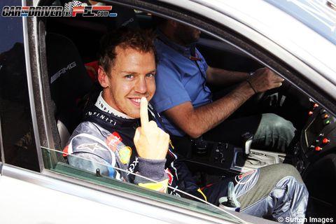 Motor vehicle, Vehicle door, Car seat, Steering wheel, Car seat cover, Automotive window part, Windshield, Steering part, Driving, Seat belt,