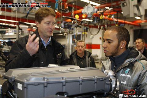 Jacket, Engineering, Industry, Job, Service, Employment, Baggage, Machine, Factory, Customer,