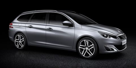 Wheel, Tire, Automotive design, Mode of transport, Vehicle, Car, Rim, Automotive lighting, Alloy wheel, Automotive tire,