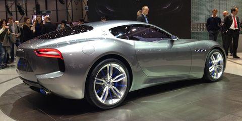 Tire, Wheel, Mode of transport, Automotive design, Vehicle, Event, Land vehicle, Car, Rim, Auto show,