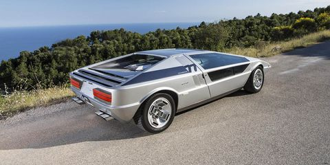 Tire, Wheel, Mode of transport, Automotive design, Vehicle, Land vehicle, Transport, Car, Rim, Alloy wheel,