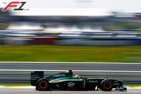 Tire, Wheel, Automotive tire, Automotive design, Race track, Automotive wheel system, Open-wheel car, Formula one tyres, Formula one car, Racing,