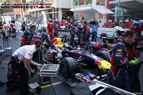 Automotive tire, Automotive design, Open-wheel car, Formula one tyres, Formula one, Automotive wheel system, Motorsport, Race track, Formula racing, Team,