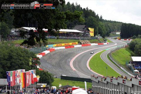 Sport venue, Race track, Road, Tree, Asphalt, Racing, Motorsport, Auto racing, Tar, Thoroughfare,