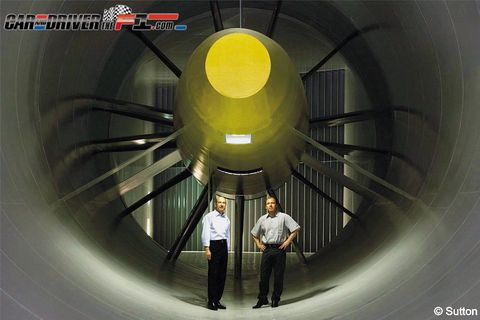 Yellow, Infrastructure, Parallel, Engineering, Circle, Symmetry, Aerospace engineering,