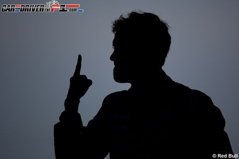 Finger, Silhouette, Gesture, Thumb, Backlighting, Sign language, Shadow,