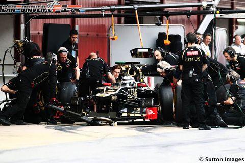 Automotive design, Automotive tire, Formula one tyres, Team, Formula one, Automotive wheel system, Race car, Open-wheel car, Service, Motorsport,