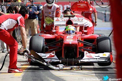 Tire, Automotive tire, Open-wheel car, Automotive design, Vehicle, Motorsport, Formula one tyres, Red, Car, Formula one,