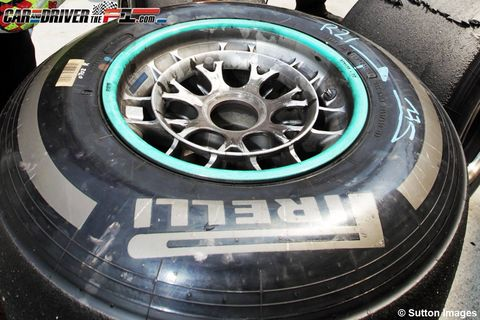 Automotive tire, Automotive wheel system, Rim, Machine, Alloy wheel, Logo, Synthetic rubber, Auto part, Tread, Gas,
