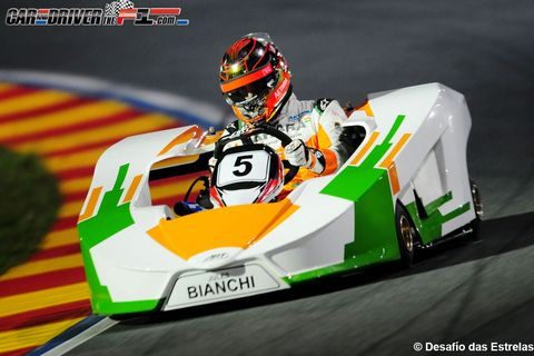 Clothing, Automotive design, Helmet, Sports gear, Personal protective equipment, White, Racing, Competition event, Headgear, Championship,