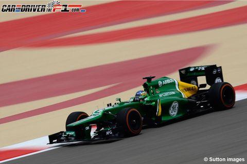 Tire, Automotive tire, Automotive design, Open-wheel car, Green, Vehicle, Race track, Formula one car, Formula one tyres, Sport venue,