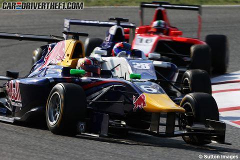 Tire, Wheel, Automotive design, Automotive tire, Open-wheel car, Vehicle, Sport venue, Motorsport, Car, Formula one tyres,
