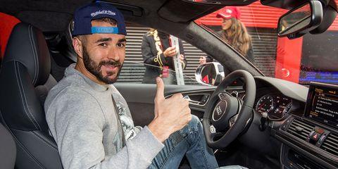 Motor vehicle, Automotive design, Steering part, Steering wheel, Automotive mirror, Cap, Center console, Speedometer, Gauge, Beard,