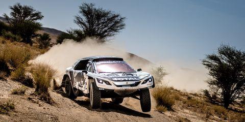 Tire, Wheel, Automotive design, Vehicle, Land vehicle, Motorsport, Automotive exterior, Automotive tire, Landscape, Road,