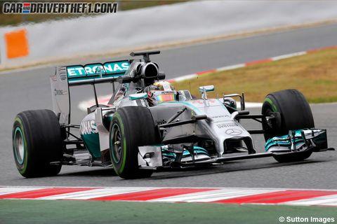 Tire, Wheel, Automotive tire, Automotive design, Open-wheel car, Formula one tyres, Automotive wheel system, Vehicle, Green, Formula one car,